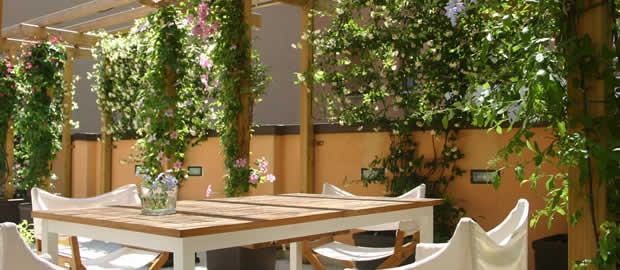 Simple giardini pensili sui terrazzi terrazzi e giardini - Giardini sui terrazzi ...
