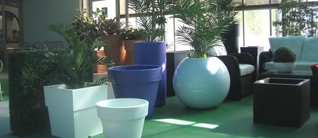 Vasi decorativi per interni cheap vaso tondo per interno for Vasi moderni da interno